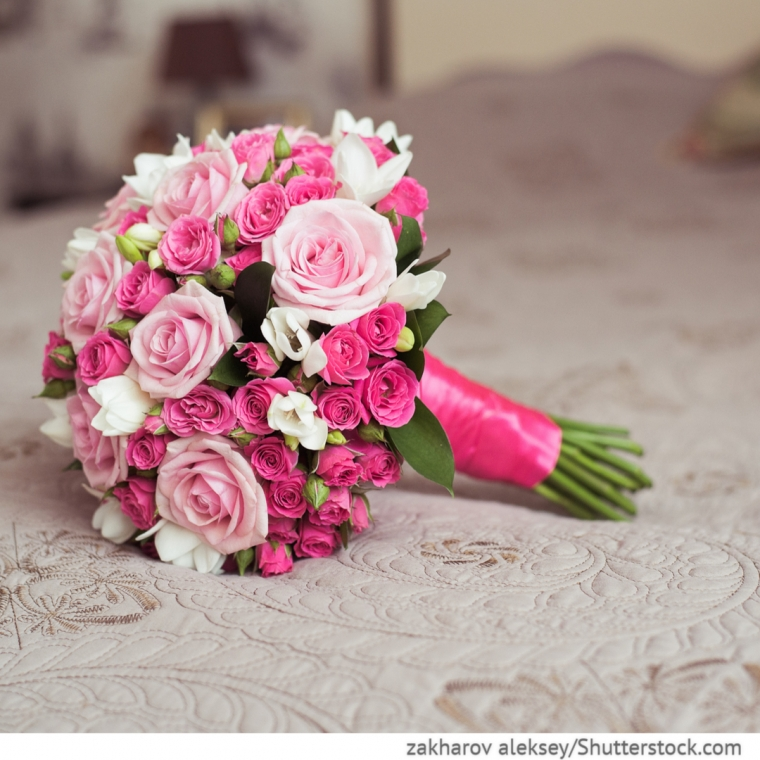 brautstrau mit rosen in pink hochzeitsideen f r deutsch russische hochzeiten bei ruswedding. Black Bedroom Furniture Sets. Home Design Ideas